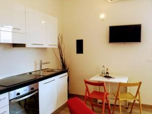 suite 3 via don minzoni 4 10